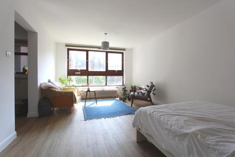 Studio to rent - Camden Road, Camden Town, London, NW1