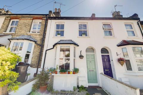 2 bedroom terraced house to rent - Warberry Road, Alexandra Park, London N22