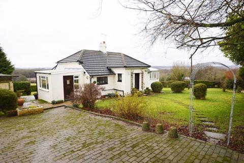 3 bedroom bungalow for sale - Small farm - 18 acres at Stapley Lane, Ropley