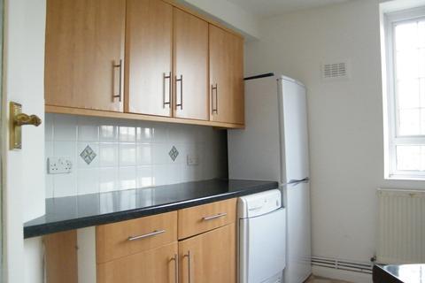 3 bedroom flat to rent - Grand Drive - RAYNES PARK BORDER