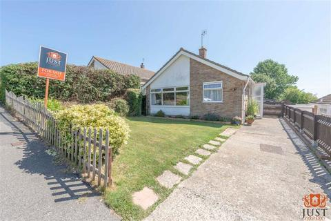 2 bedroom detached bungalow for sale - Bishops Walk, Bexhill On Sea