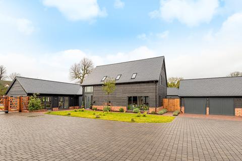 5 bedroom detached house for sale - Church Farm Court, Roxton, MK44