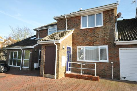 2 bedroom terraced house for sale - Gleneagles Close, Bexhill-on-Sea, TN40