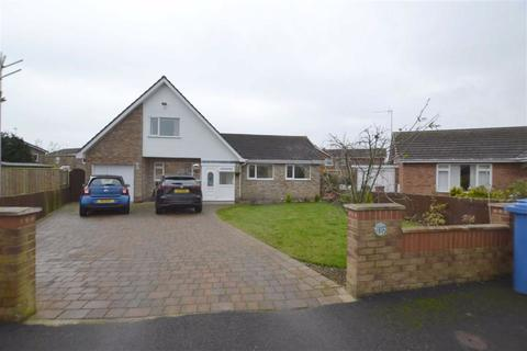 4 bedroom detached bungalow for sale - Foresters Way, Bridlington, East Yorkshire, YO16