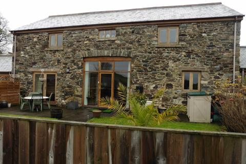3 bedroom terraced house to rent - Near Tavistock