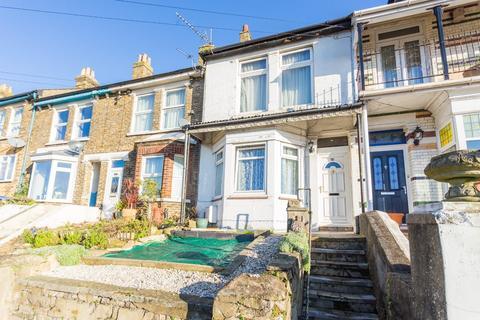 3 bedroom terraced house for sale - Heathfield Avenue, Dover