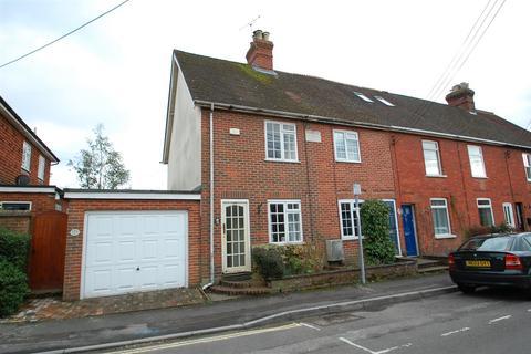 2 bedroom end of terrace house to rent - Windsor Road, Petersfield.