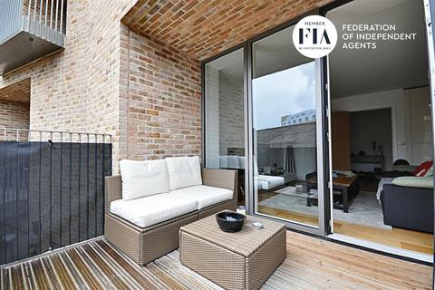 2 bedroom apartment for sale - Arbor House, Narrowboat Avenue, Brentford