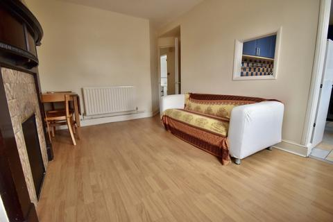 1 bedroom flat to rent - Shooters Hill Road, London, SE3