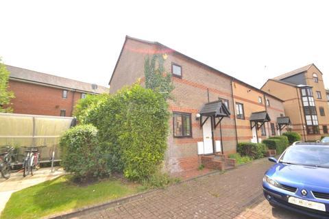 2 bedroom townhouse to rent - Waterside Gardens, Reading