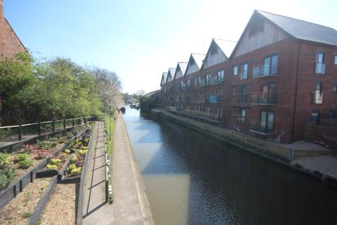 2 bedroom apartment to rent - Lock Court, Chester