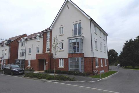 2 bedroom flat to rent - Whitlock Avenue, Wokingham
