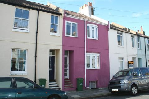 4 bedroom property to rent - Ewart Street