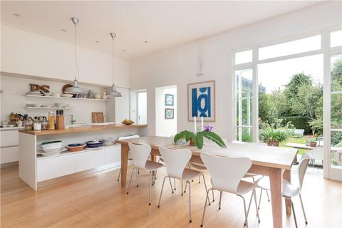 4 bedroom semi-detached house for sale - Trinity Road, London, SW17