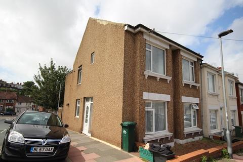 3 bedroom property to rent - Milner Road