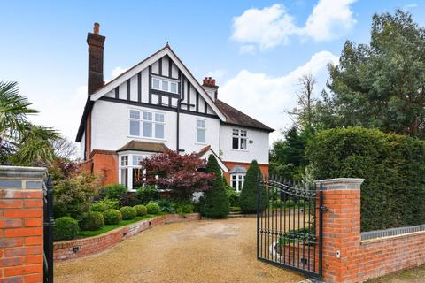 6 bedroom detached house for sale - Hill Brow, Bickley