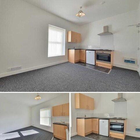 Studio to rent - Adelaide Street, Blackpool