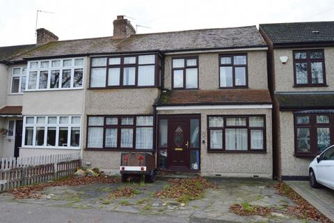 4 bedroom semi-detached house for sale - Birch Crescent, Hornchurch