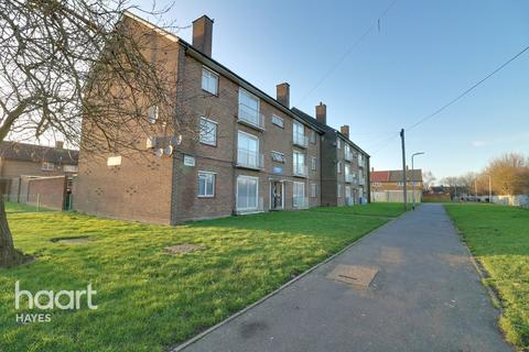 2 bedroom flat for sale - Welbeck Avenue, Hayes