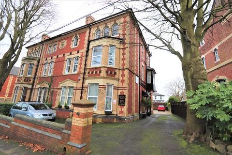 10 bedroom semi-detached house - The Guest House, Caerau Crescent, Newport. NP20 4HG