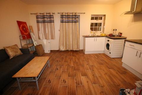 1 bedroom flat - Mogden Lane, ISLEWORTH, Middlesex, TW7