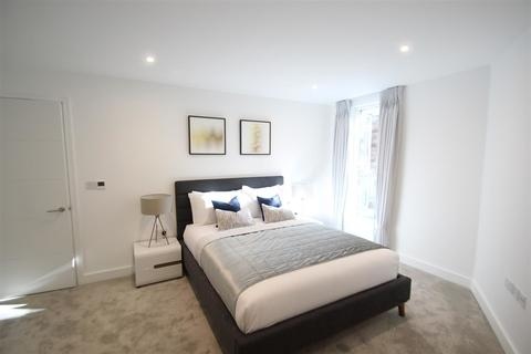 2 bedroom apartment to rent - Sinclair Road, London
