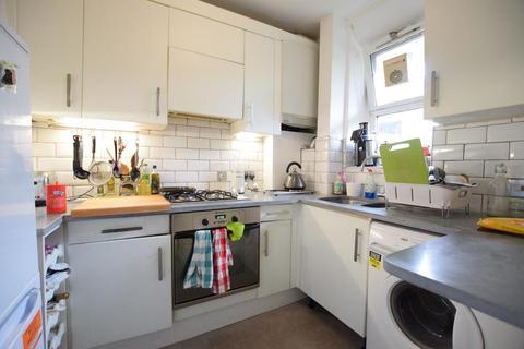 2 bedroom flat to rent - Lohmann House, Kennington Oval, London SE11
