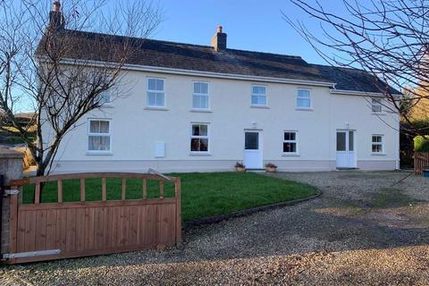 4 bedroom detached house for sale - Talgarreg, Llandysul, Carmarthenshire