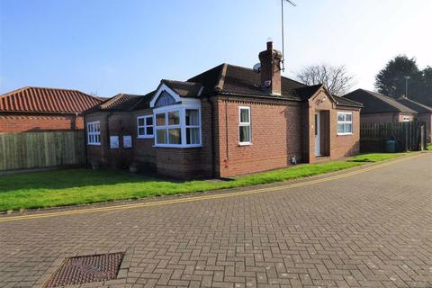 3 bedroom detached bungalow for sale - Orchard Close, Beverley