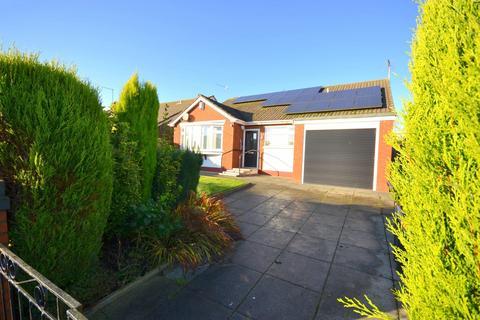 3 bedroom detached bungalow for sale - Mount Pleasant, Chesterton, Newcastle