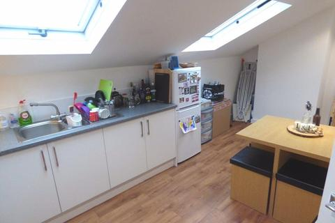 2 bedroom apartment to rent - Marsland Road, Sale, M33 3ND