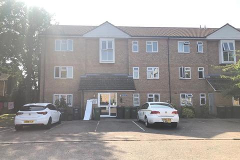 2 bedroom flat to rent - Quilter Close, Luton  LU3