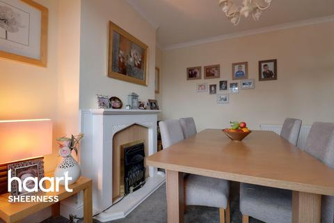 3 bedroom terraced house for sale - North Road, Queenborough
