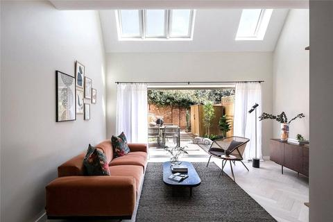 3 bedroom end of terrace house for sale - West Green Place, Apple Tree Road, London, N17