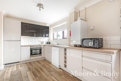 3 bedroom townhouse for sale - Bure Close, Wroxham