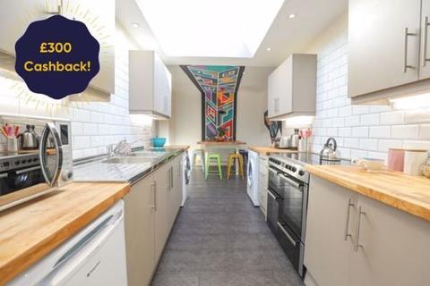 9 bedroom semi-detached house to rent - Colbourne Avenue, Brighton