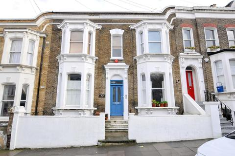 3 bedroom flat for sale - Elderfield Road, London