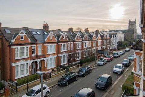 2 bedroom flat for sale - Lavender Gardens, London, SW11