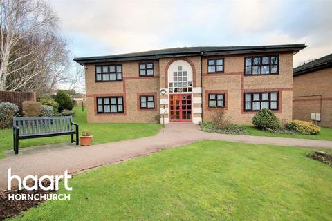 1 bedroom flat for sale - Abbs Cross Gardens, Hornchurch