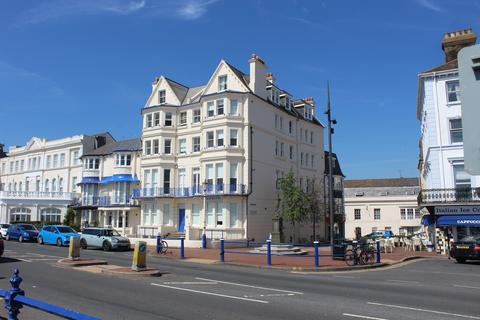 2 bedroom flat to rent - 29 Marine Parade, Eastbourne BN22