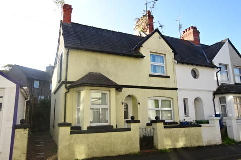 4 bedroom end of terrace house for sale - PENCHWINTAN ROAD, BANGOR LL57