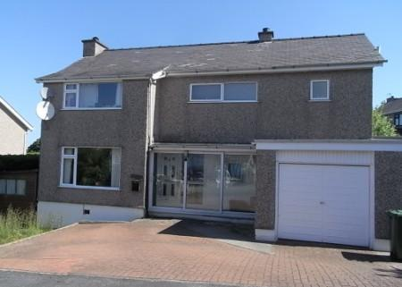 5 Bedrooms Detached House for sale in Trefonwys, Bangor, North Wales