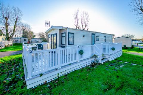 2 bedroom park home for sale - Tall Trees,  Highfield Grange Holiday Park, Clacton-on-Sea,  CO16