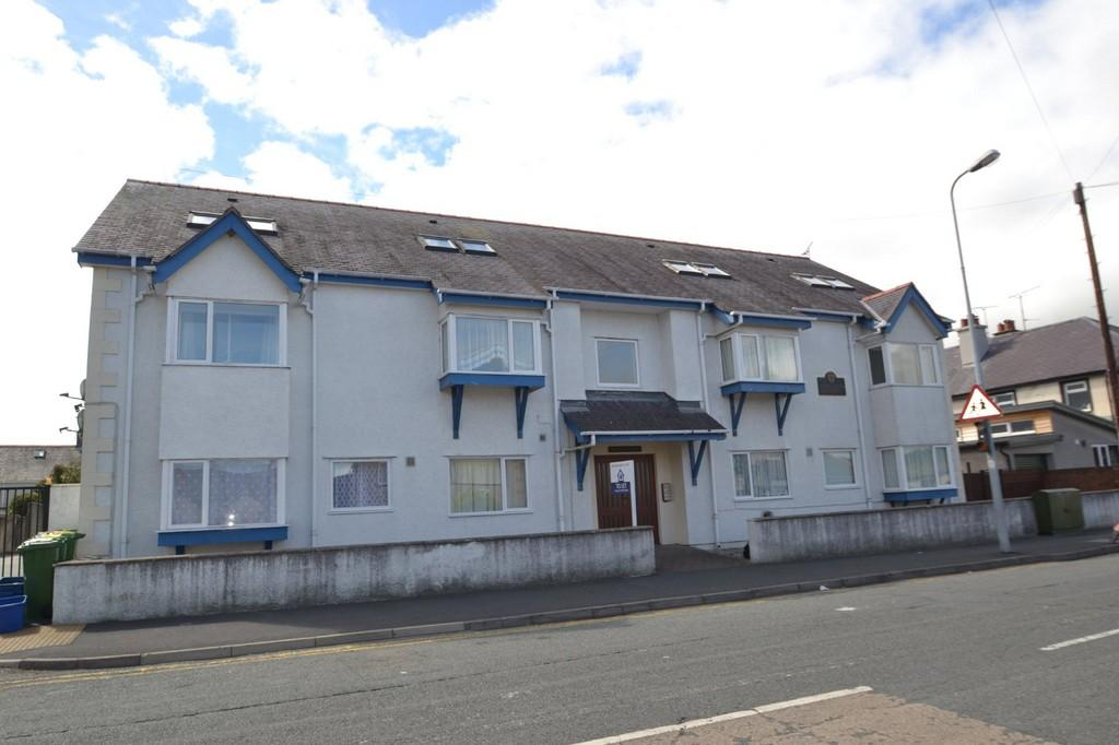 1 Bedroom Apartment Flat for sale in Glynne Road, Bangor, North Wales