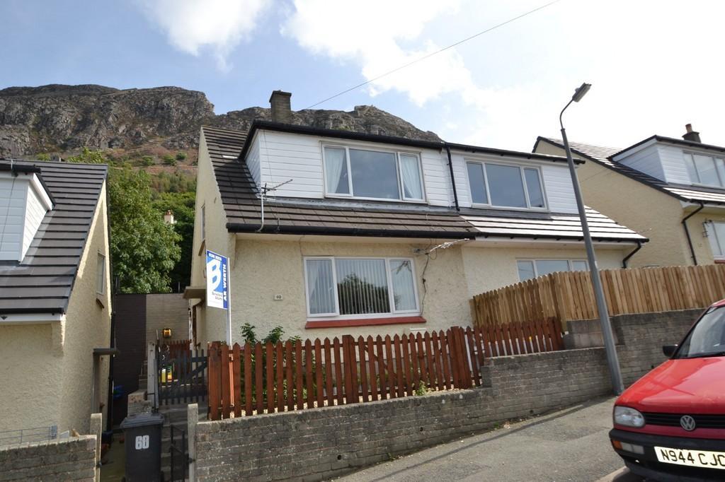 3 Bedrooms Semi Detached House for sale in Pendalar, Llanfairfechan, North Wales,
