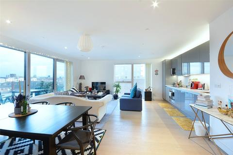 2 bedroom flat to rent - Capell Apartments, Victory Place, London, SE17