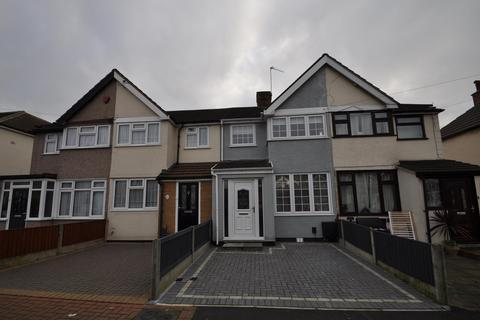 3 bedroom terraced house for sale - Elm Park Avenue, Hornchurch, Essex, RM12