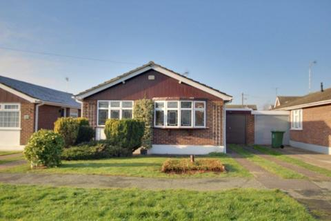 3 bedroom bungalow to rent - Reeds Way, Wickford SS12
