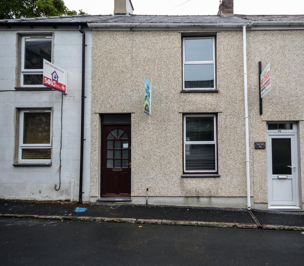 2 Bedrooms Terraced House for sale in Hill Street, Bangor, North Wales