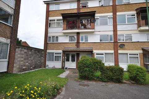 3 bedroom apartment to rent - Lambscote Close, Burymound Court